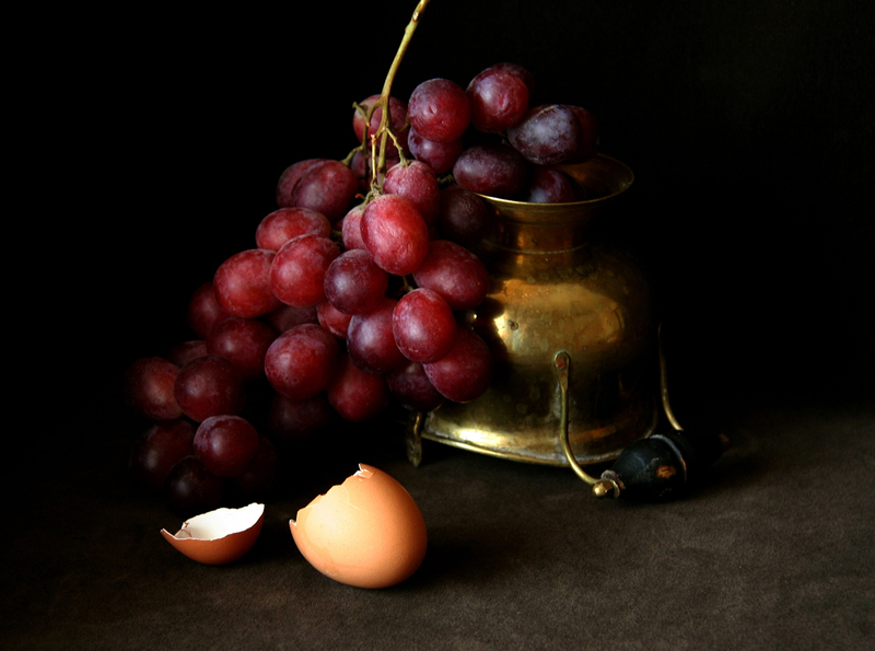 Grapes and Egg-shell